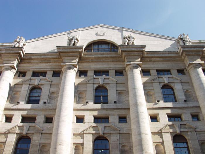 Borsa: Milano chiude in calo del 2,59%