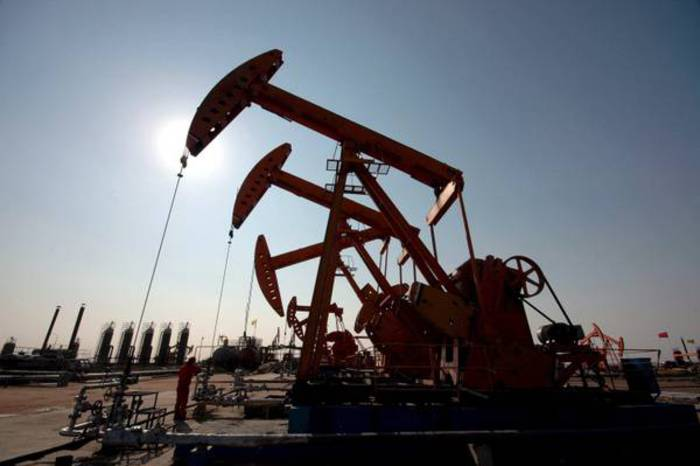 Petrolio: in calo a Ny a 53,56 dollari