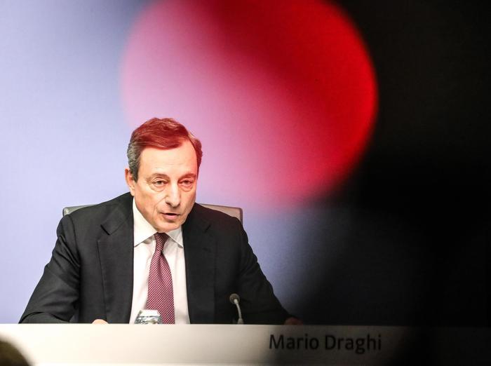 Bce: 'Più rischi per Pil Eurozona, pronti a intervenire'
