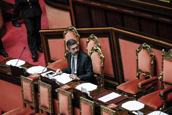 Fraccaro: ok ddl, verso Parlamento nuovo