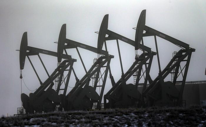 Petrolio: Wti stabile a 56,2 dollari
