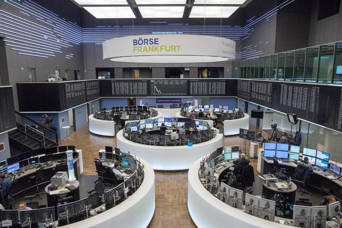 Borsa Shanghai positiva in avvio, +1,41%