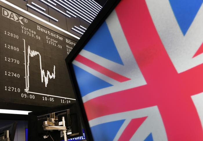 Brexit: sterlina si rafforza a 1,31 dlr