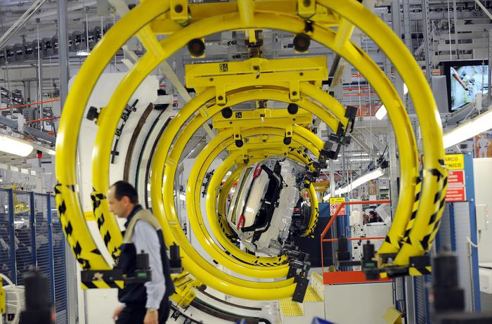 Cresce l'occupazione ma quasi un lavoratore su cinque con stipendio sotto i 9 euro