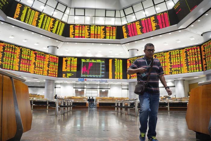 Borsa: Asia sale con tagli fiscali Cina