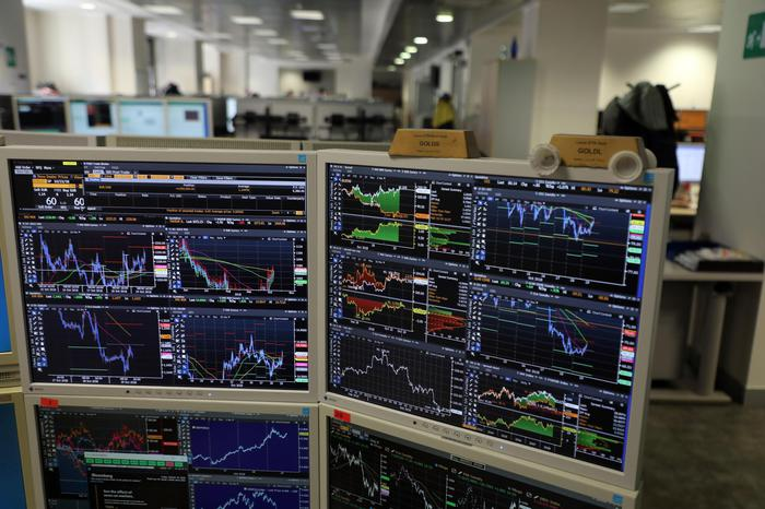 Borsa: Milano in rialzo con Leonardo