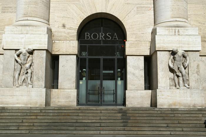 Borsa: Milano apre in rialzo (+0,22%)