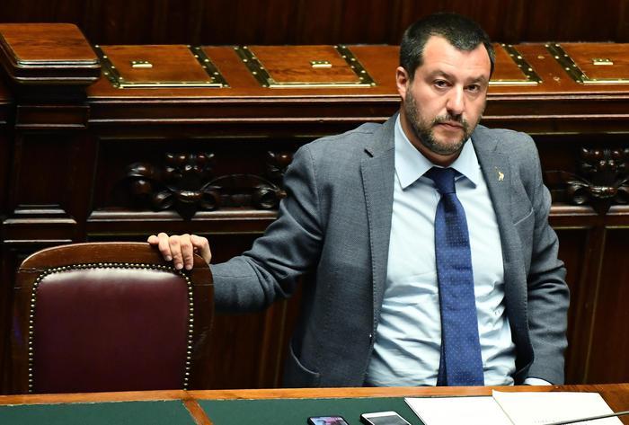 Flat tax: duello Lega-M5s. Salvini:'15 miliardi per partire'
