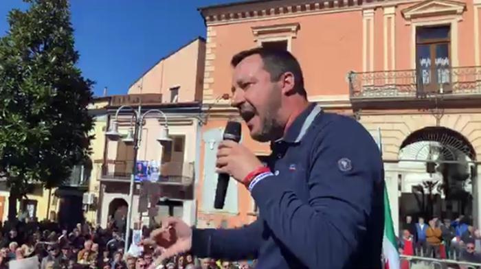 Flat tax: Salvini, nel 2019 a lavoratori dipendenti