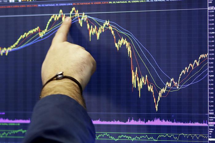 Borsa Europa si rafforza con Wall Street