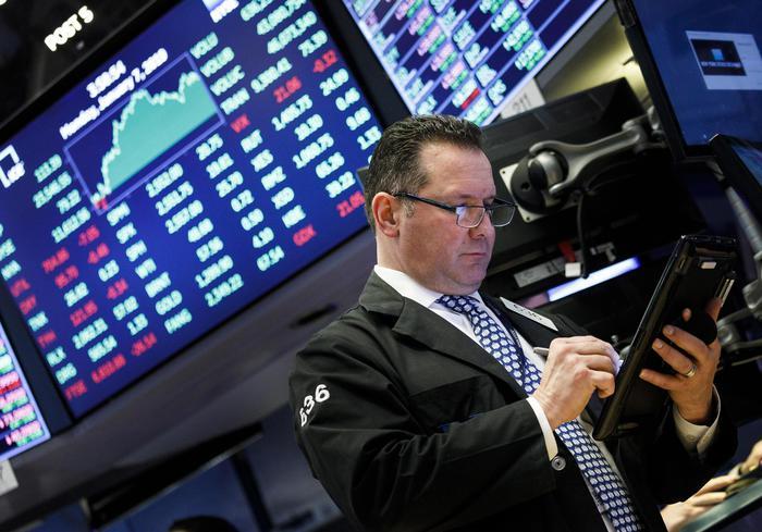Borsa: Europa cauta, frena Parigi -0,09%