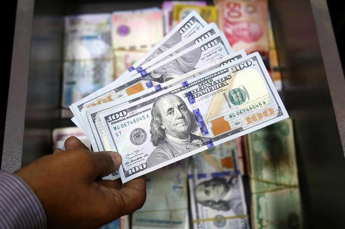 Cambi: euro stabile all'avvio a 1,134