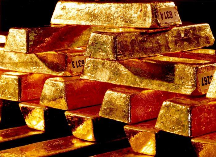 Oro: resta sopra soglia dei 1300 dollari