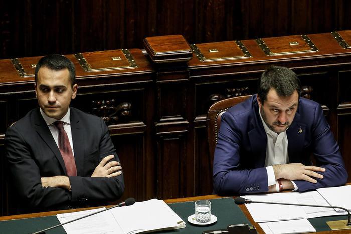 Cantieri, Di Maio: 'Nessun condono, anche la Lega è contraria'