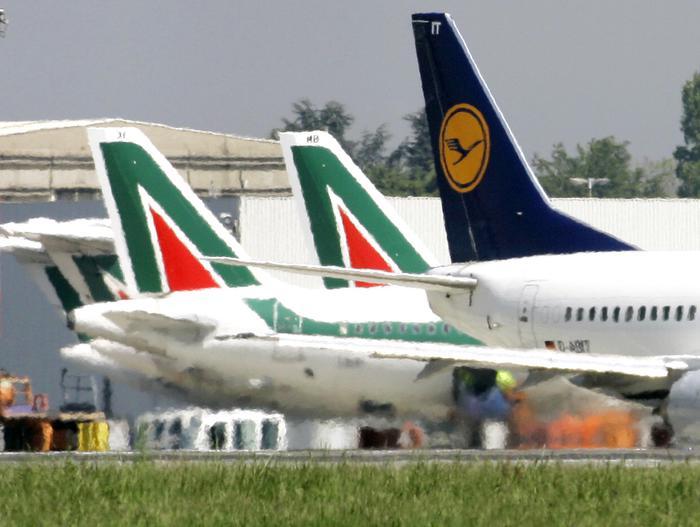 In scali Milano 50 voli cancellati