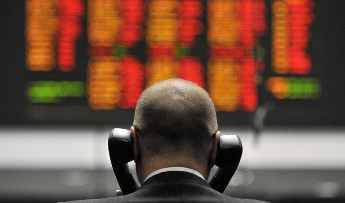 Borsa: Europa giù con banche e industria