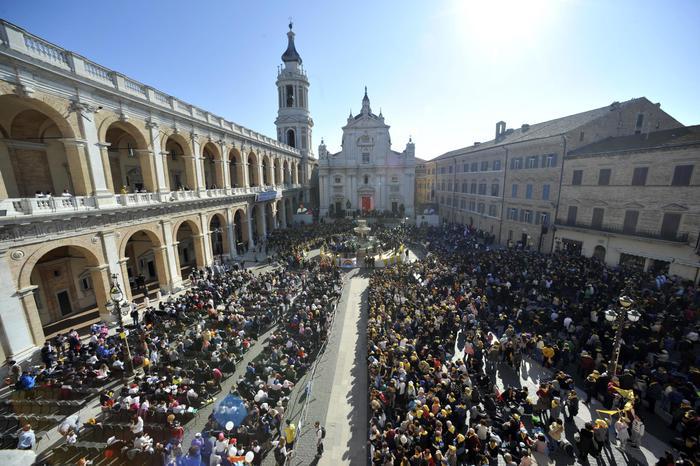 Papa: messa in Santa Casa Loreto