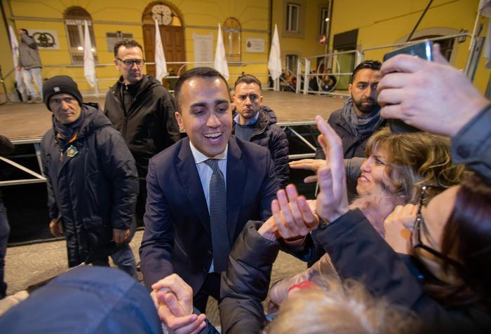 Basilicata: Di Maio, crollano Pd e FI