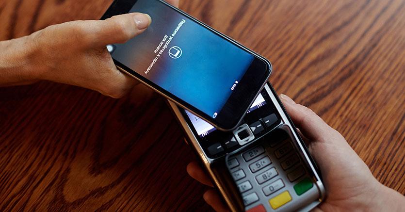 Pagamenti digitali, le famiglie hanno acquistato beni per 240 miliardi
