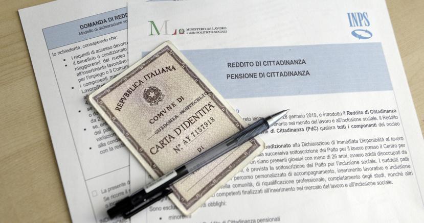Reddito di cittadinanza: 100mila candidati per 3mila posti da navigator