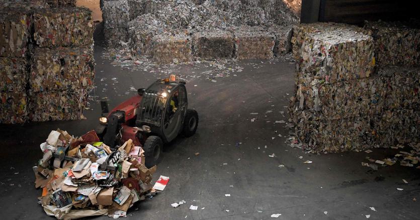 Emergenza rifiuti: per riciclare bene servono investimenti da 10 miliardi