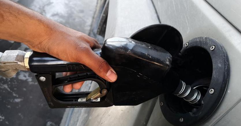 Carburanti, il maxi-ponte porta a nuovi rialzi per benzina e diesel