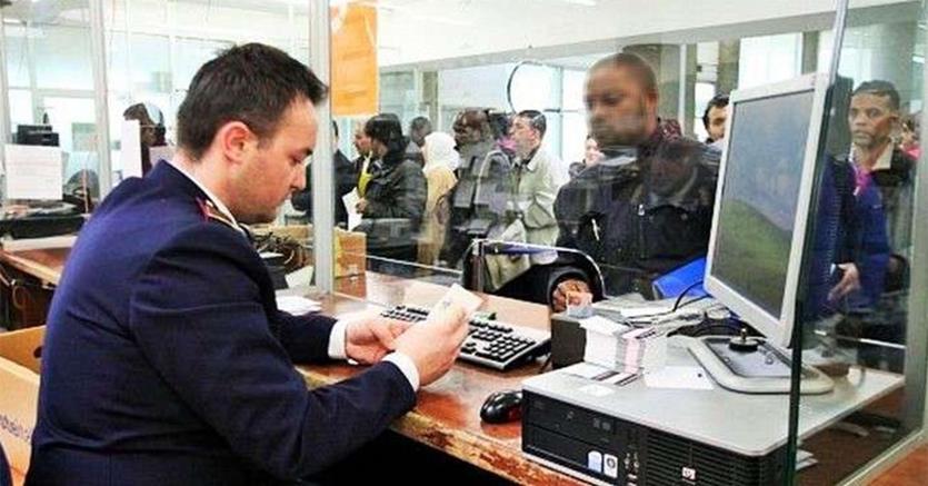 Migranti, stop al prefetto che espelle  prima dell'esame di domanda asilo