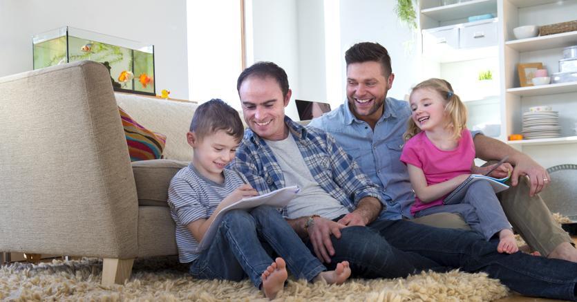 Cassazione: no al riconoscimento del bimbo con due papà