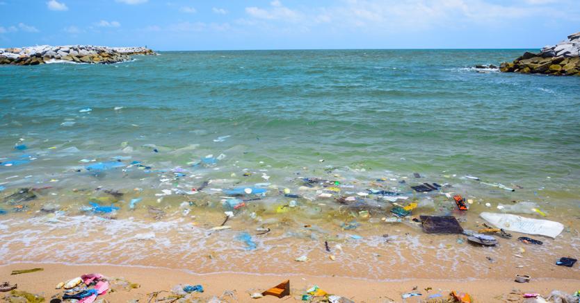 Plastica, 5 fronti di sfida per salvare i mari con la tecnologia