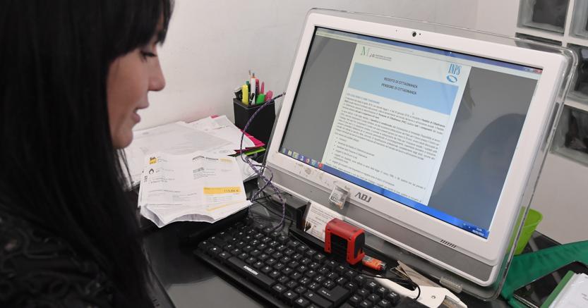Reddito di cittadinanza ai disoccupati? Un milione di beneficiari in più