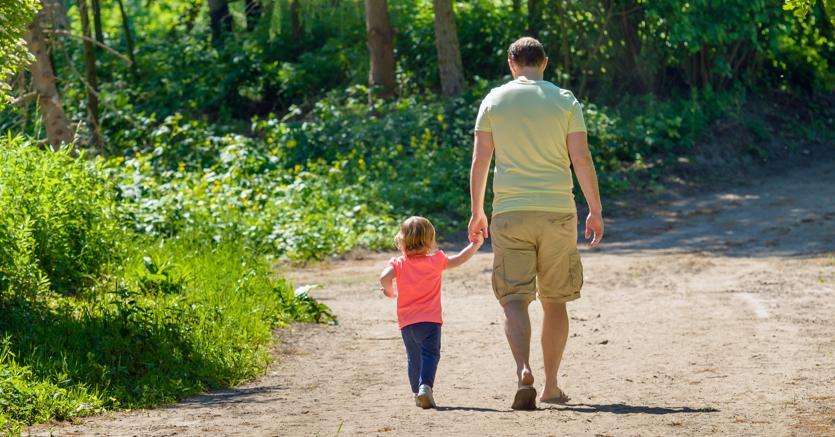 La madre deve risarcire il figlio:  ostacolava gli incontri con il padre