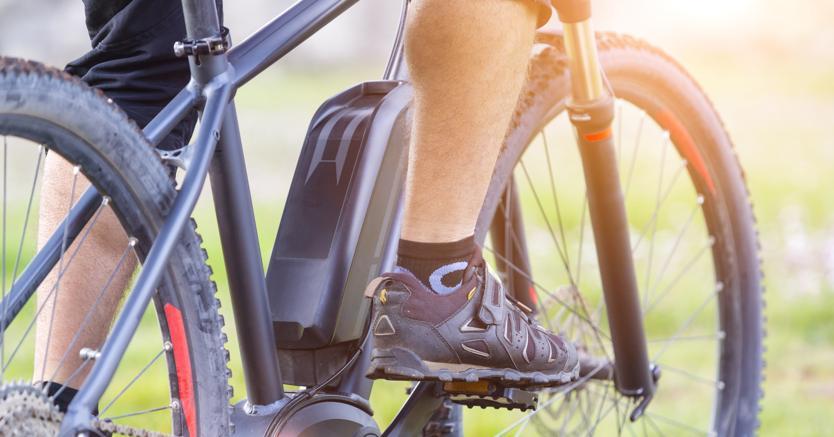 Rischio sospensione patente anche con le e-bike. Ecco perché