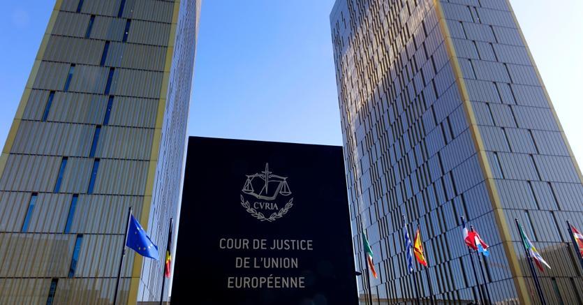 Corte Ue, per l'avvocato generale Facebook «può» essere costretta a togliere i post diffamatorî