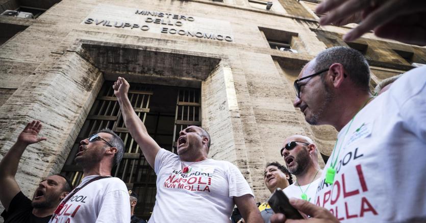 Whirlpool: no alla chiusura di Napoli. Il confronto riprende lunedì
