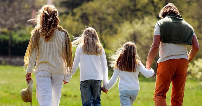 Famiglia,  bonus da 2-300 euro mensili dalla gravidanza fino ai 18 anni