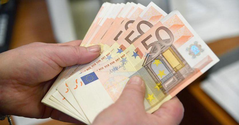 Freno al contante in quattro mosse: bonus e sanzioni nel piano del Mef
