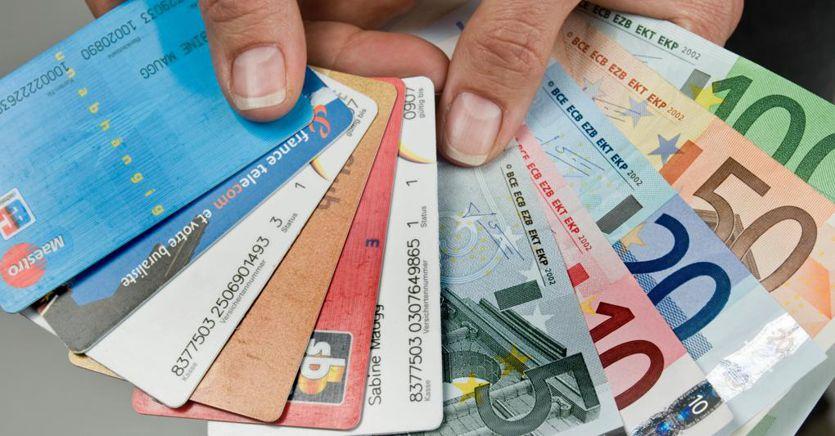 Contante o carta: cosa cambia per chi chiede resi e rimborsi