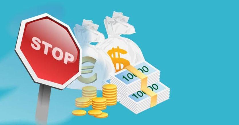 Bonus anti-contante, favorevole il 58% degli italiani. No a tasse verdi e aumenti Iva