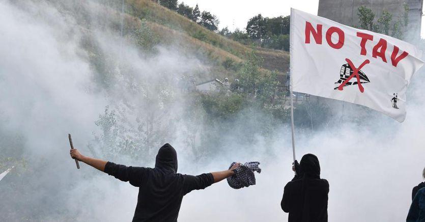No Tav processo da rifare: violenza per reazione ai lacrimogeni