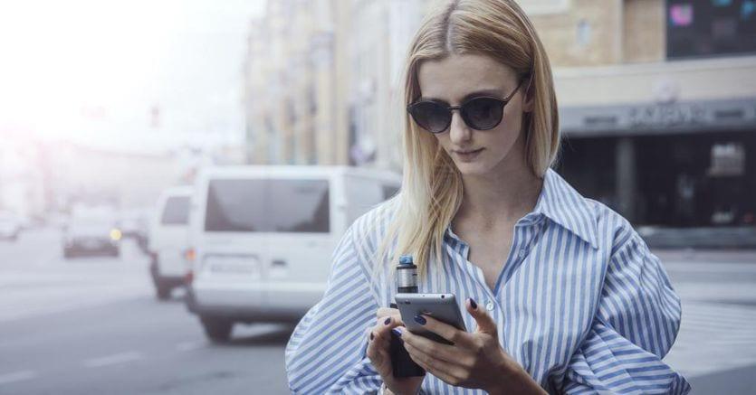 Sigarette elettroniche sui social: pubblicità vietata e stop agli influencer