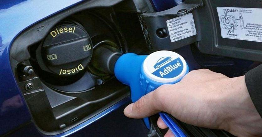 Auto Euro 6, tutto quello che c'è da sapere sull'additivo Ad blue