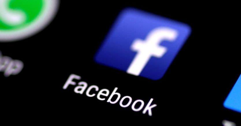 Facebook, il consenso alla pubblicazione delle foto si può sempre revocare
