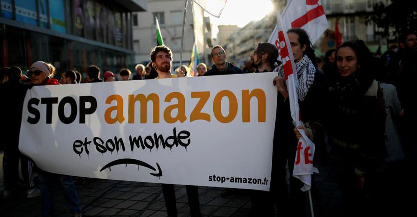 Protesta degli autisti Amazon: sciopero bianco in Piemonte