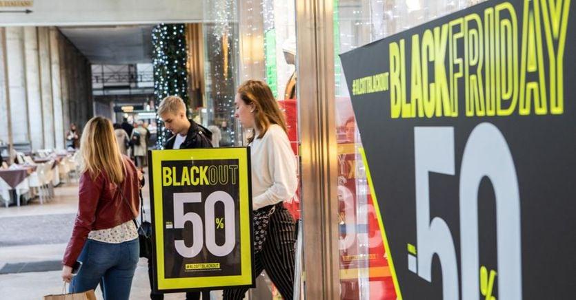 Dai saldi al Black Friday, come l'ecommerce ha cambiato le abitudini di acquisto
