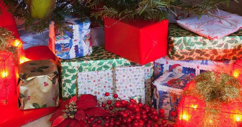 Per i regali di Natale il budget non va oltre i 300 euro