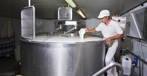 Nasce il tavolo permanente sul prezzo del latte