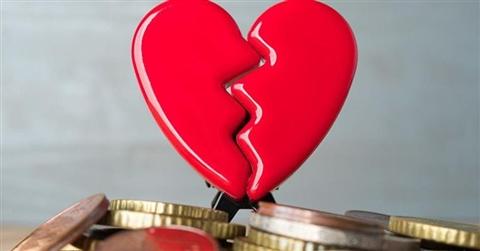 Divorzi, assegno all'ex con prove forti. Non basta aver lasciato il lavoro per la famiglia