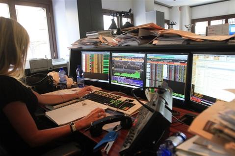 Borsa: Europa fiacca, giù Francoforte