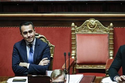Di Maio, popolo Francia amici, Macron no