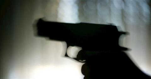 Ddl Lega: più facile acquistare armi.  Di Maio: non lo voteremo mai. Poi Salvini frena